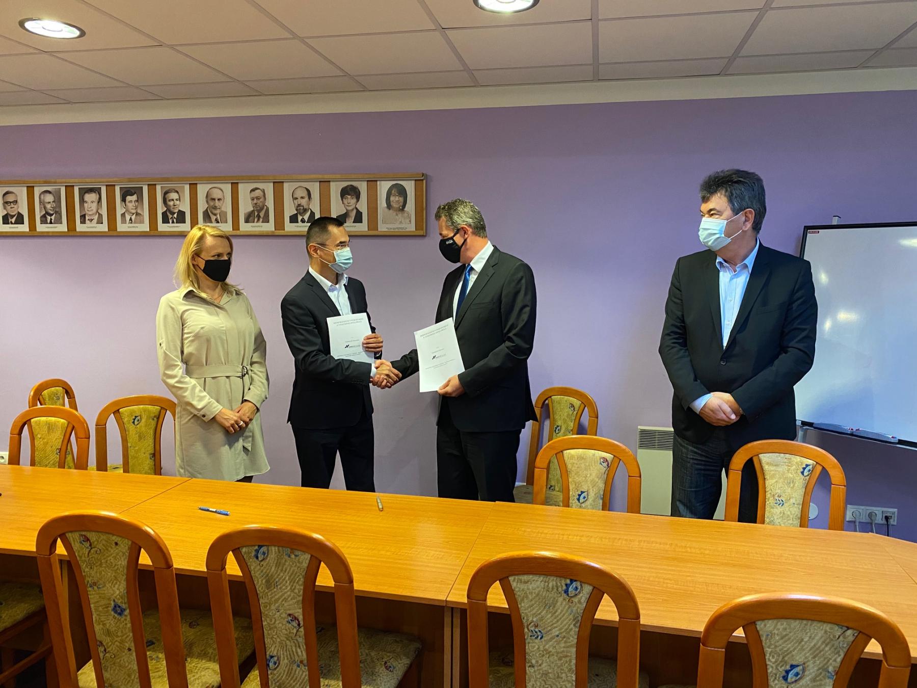 Podpísanie memoranda o porozumení a spolupráci